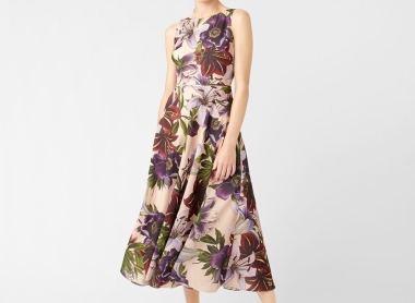Gorgeous Mother of the Bride Outfits for Autumn and Winter